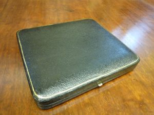 silver case (4)