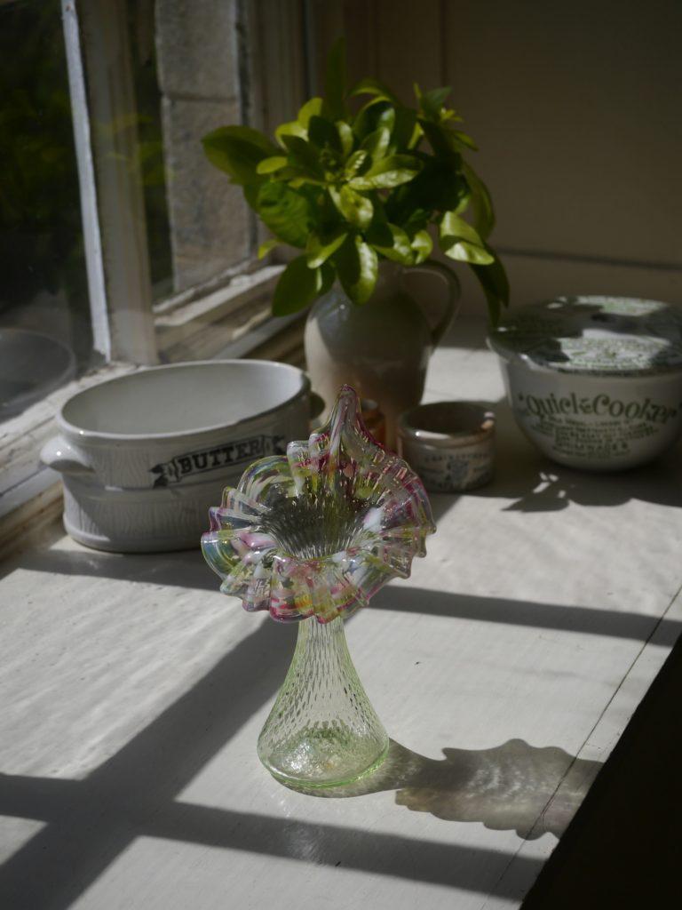 マーブル柄の花のような形の花瓶 (19世紀)