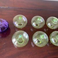 謎のガラス容器1
