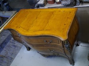 Chest of drawers15